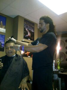 CELEBRITY BARBER HAIRCUT BENZINO